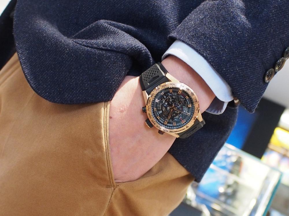 【生産終了モデル】タグ・ホイヤーの贅沢でラグジュアリーなゴールドモデル~カレラ キャリバー ホイヤー01 クロノグラフ 43mm~-TAG Heuer -P1301103