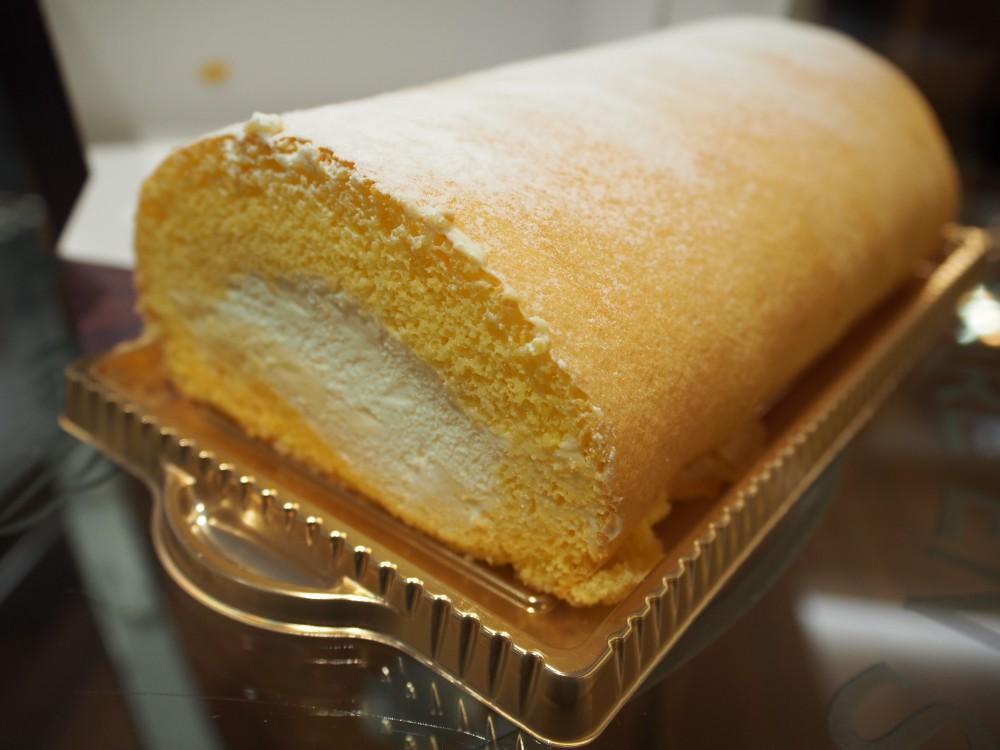 K様よりBONKURAのロールケーキ頂きました♪