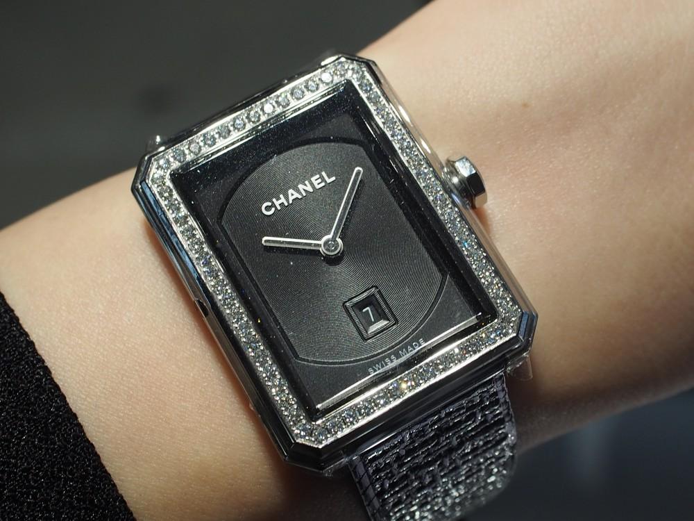 秋冬につけたいシャネルの腕時計《ボーイフレンド ツイード》H5318-CHANEL -PA089711