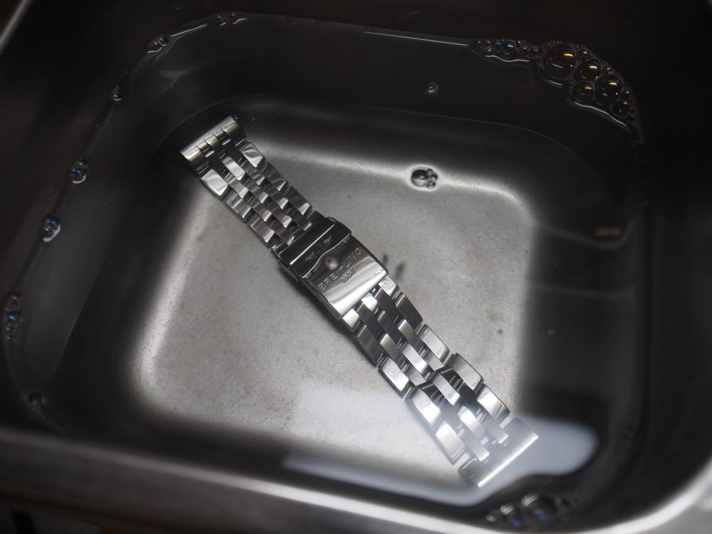 """【ブライトリング フェア】顧客様向けアフターサービス""""お時計洗浄""""の裏側、お見せします。-BREITLING 京都店からのお知らせ スタッフつぶやき -PB020176"""
