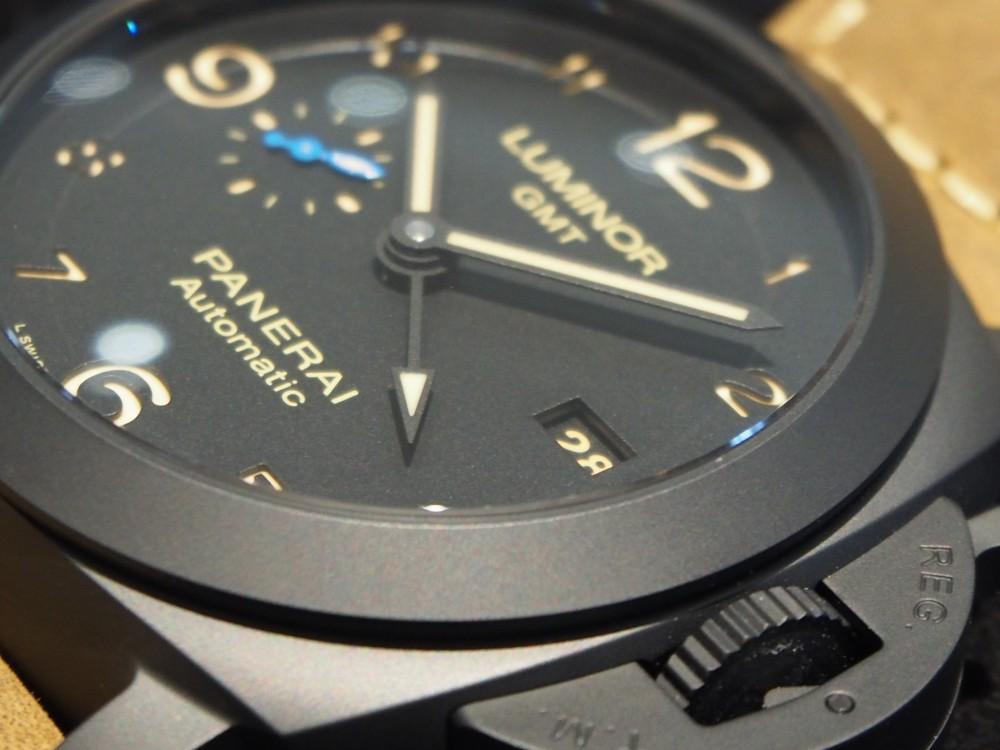 ミリタリー感がカッコイイ【ルミノール 1950 3デイズ GMT オートマティック チェラミカ】PAM01441入荷しました☆-PANERAI -P4130340