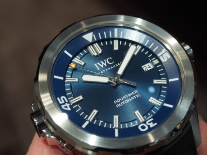 IWC/爽やかなブルー文字盤のシンプルなダイバーズウォッチ「アクアタイマー・オートマティック」