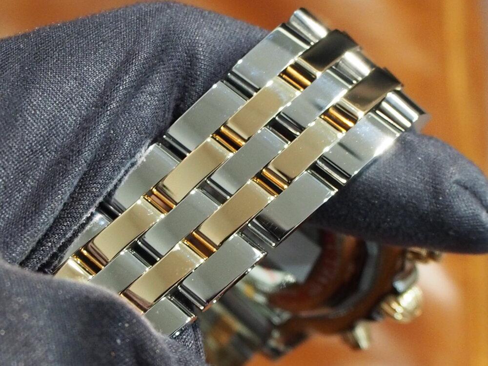 【ブライトリング・フェア】ローマンインデックス×ゴールドの大胆なクロノマットが入荷★-BREITLING -P5300324