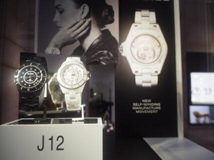 シャネルフェア本日より開催!話題の2019年新作J12 H5702・H5705も今日に合わせて再入荷!