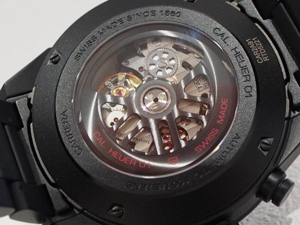 タグ・ホイヤーのカレラ ホイヤー01セラミックモデルはラバーとブレスでたった16,200円しかかわらない!!-TAG Heuer -P8090097