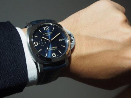 """大人気のブルー文字盤モデル、2019年新作の""""ルミノール GMT PAM01033""""が再入荷しました!"""