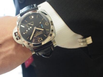 【パネライ】機械式時計デビューの方も使いやすい!!しっかり便利な機能が入ったPAM01321