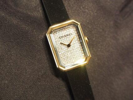 シャネルらしさが詰まったミニサイズの「プルミエール ヴェルヴェット」H6126のご紹介。