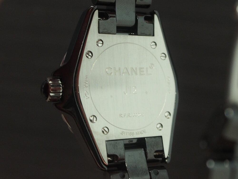 普段のオシャレにアクセントを。~シャネル J12 ファントム~-CHANEL -P1011156