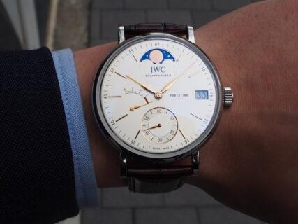 【IWC】クラシカルで優雅なデザイン、ポートフィノ・ハンドワインド・ムーンフェイズ