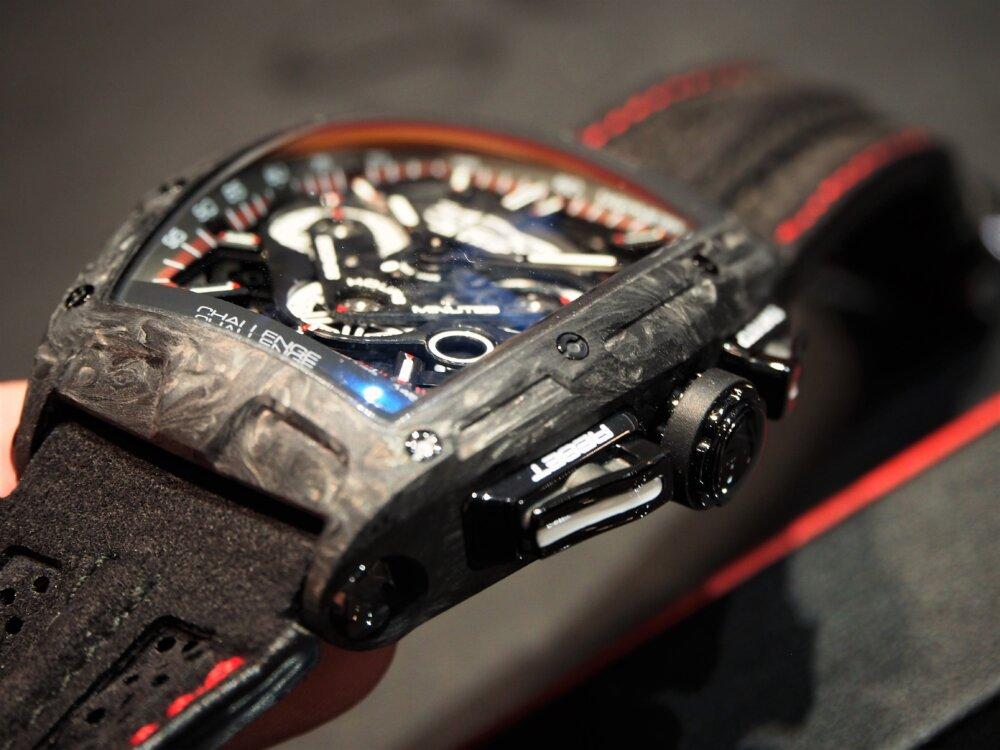 SUPER GT/GT300クラスのチャンピオンを獲得した「LEON CVSTOS AMG」を腕元に-CVSTOS -P5102582