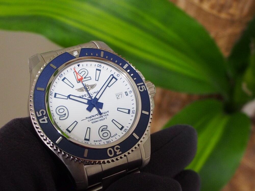 【ブライトリング】真っ白な文字盤が夏の腕元を彩るスーパーオーシャン-BREITLING -P6233099