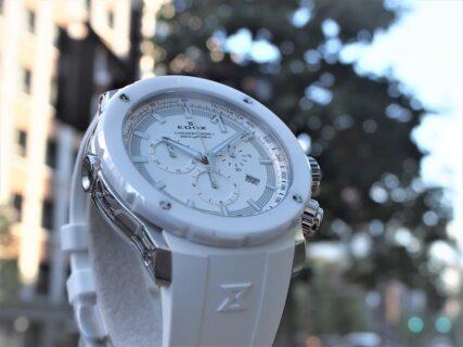 【エドックス】シルバーのアクセントが美しい、冬にもオススメの純白のダイバーズウォッチ