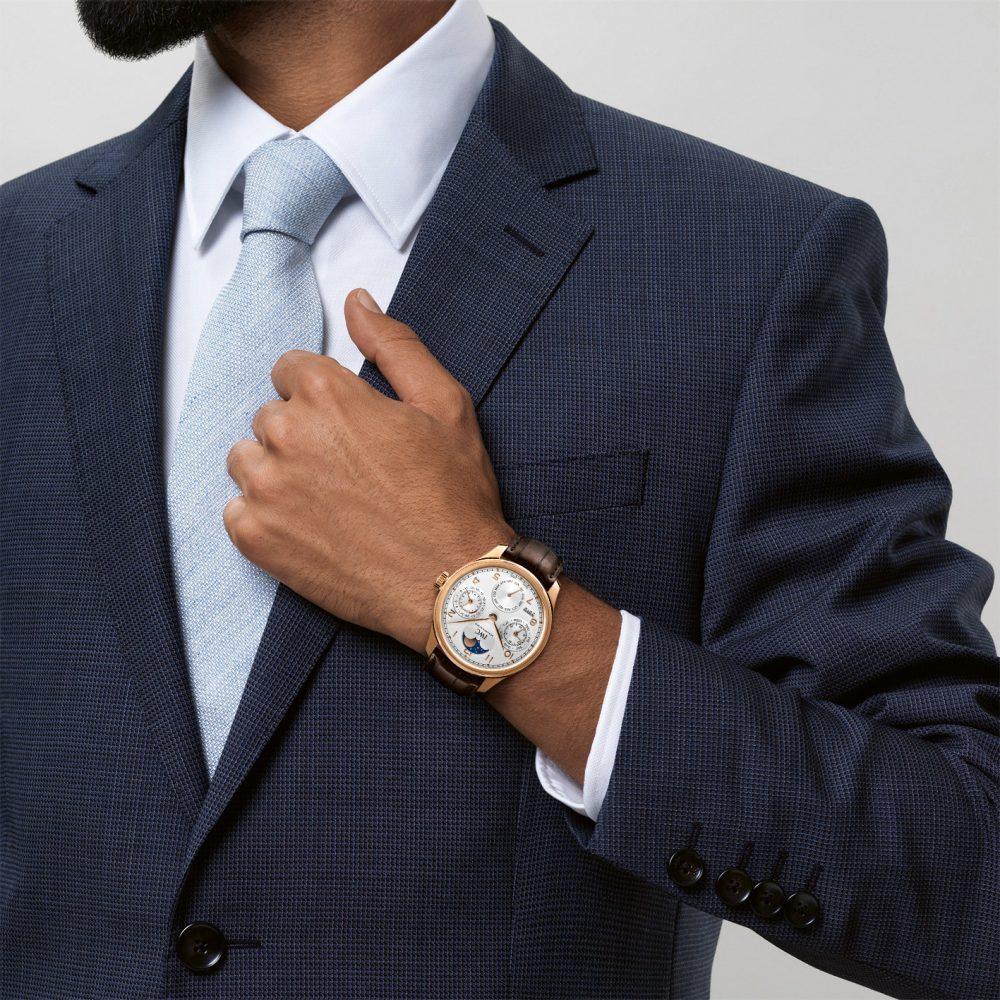 """2021年、運気の上がる日におススメする「IWC」の複雑機構""""パーペチュアルカレンダー""""搭載モデル-IWC -1915657.transform.buying-options_watch_1000"""