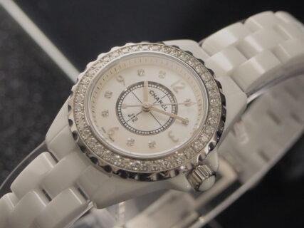 【シャネル】40個のダイヤモンドとMOP文字盤を贅沢に使用したJ12 29mm