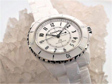 【シャネル】人気モデルの「J12 38mm」ホワイトをご紹介!