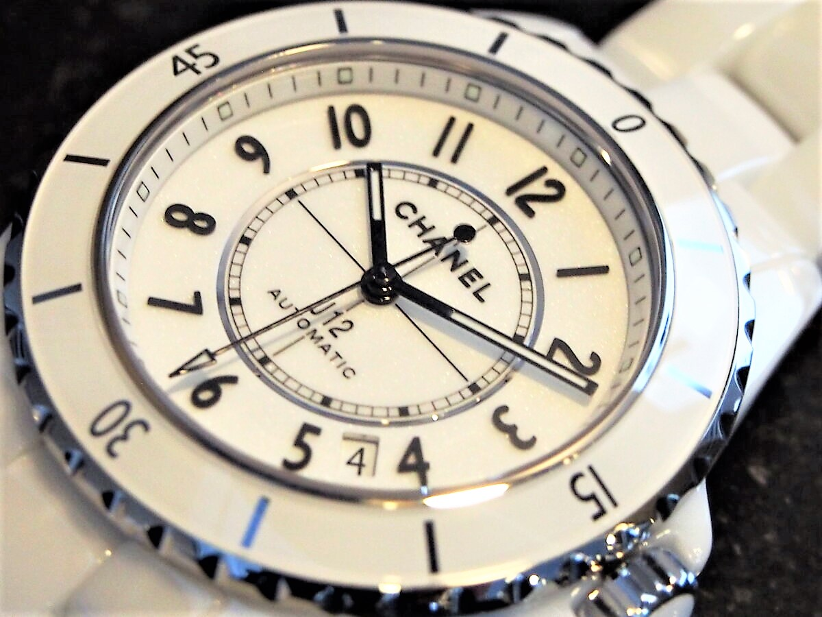 【シャネル】人気モデルの「J12 38mm」ホワイトをご紹介!-CHANEL -P7200069-1