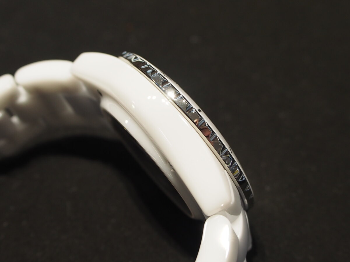 【シャネル】人気モデルの「J12 38mm」ホワイトをご紹介!-CHANEL -P7200071