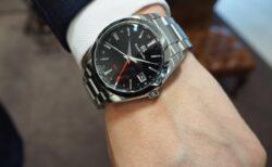 【グランドセイコー】黒×赤 究極のクオーツモデル「9F クオーツ GMT」SBGN013