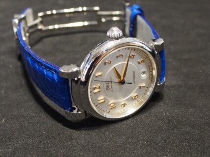 【ジャンルソー】秒針のカラーに合わせたブルーでコーディネート 自分だけの特別なお時計に
