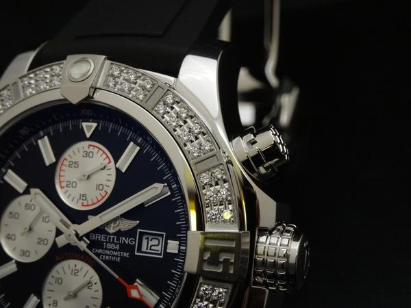 ダイヤモンドがセットされた特別仕様のスーパーアベンジャーⅡ!-BREITLING -6059f65c-s