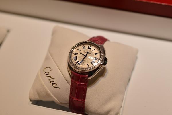 Cartier2015新作 クレドゥカルティエ 31mm-〉SIHH Cartier(取扱い終了) -7e208111-s