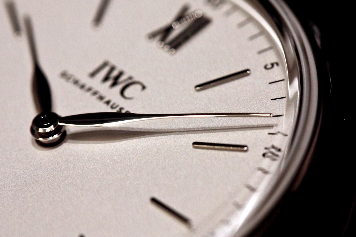 2017年IWC新作モデル、秒針も日付もない2針のシンプルを極めた「ポートフィノ・ピュアクラシック」入荷しました。