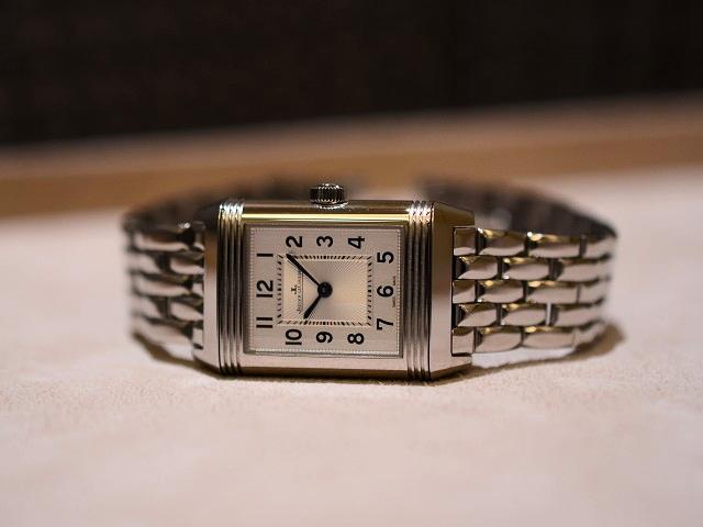 今日のジャガー・ルクルトは、今欲しい夏時計!レベルソ・クラシック・スモール・デュエット!