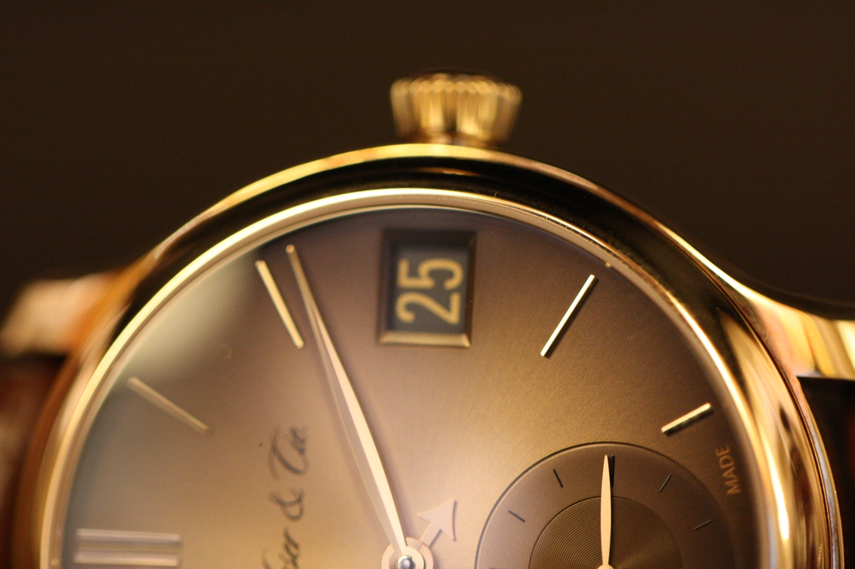 今日のジャガールクルトは、マスター・ウルトラスリム スモールセコンド ピンクゴールド! Q1352520