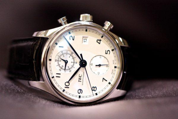 IWCが1930年代に制作されたタイムピースから受け継がれた、時代に左右されない魅力的なデザインの「 ポルトギーゼ・クロノグラフ・クラシック」が入荷しました。-IWC -IMG_5620-600x400