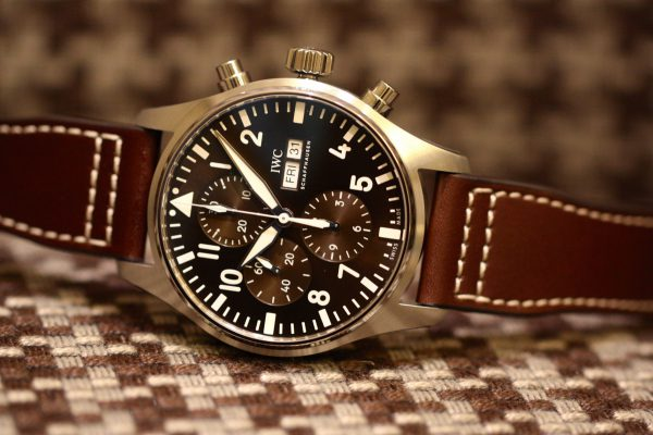 """美しいブラウンカラーを採用した、IWC パイロット・ウォッチ・クロノグラフ """"アントワーヌ・ド・サンテグジュペリ""""入荷しました。-IWC -IMG_5953-600x400"""