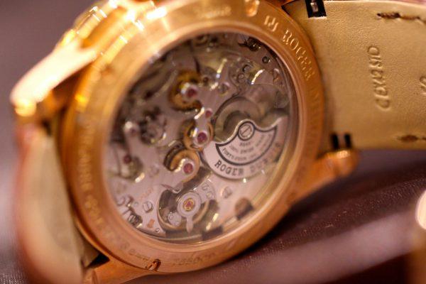 高級感溢れるローズゴールドケースを採用したロジェ・デュブイ「エクスカリバー42マイクロロータークロノグラフ」が只今店頭でご覧頂けます。-ROGER DUBUIS -IMG_5958-600x400