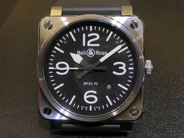 文字盤が似ている時計のご紹介!!Bell&Ross 「BR 03-92 スティール」BR0392-BL-ST/SRB PANERAI「ルミノール ベース ロゴ アッチャイオ」PAM01000-Bell&Ross PANERAI -CIMG5769-1-600x450