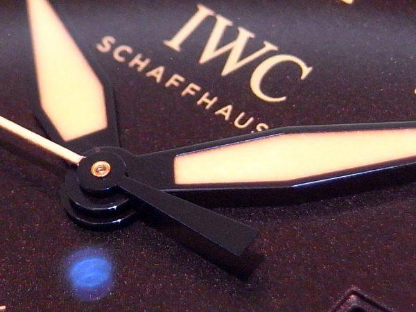 IWC 軽量なチタンケースを採用した「パイロット・ウォッチ・マークXVIIIヘリテージ」。-IWC -R1164718-600x450