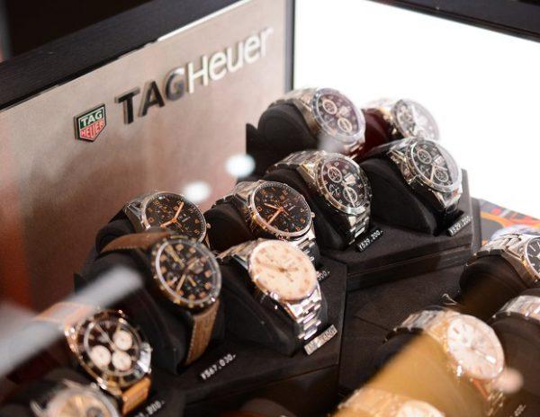 タグホイヤーは大阪心斎橋にある当店で♪今日のタグホイヤーは、3月の値上げ前にフェア開催中です!-TAG Heuer -2018y02m13d_161029158-600x464