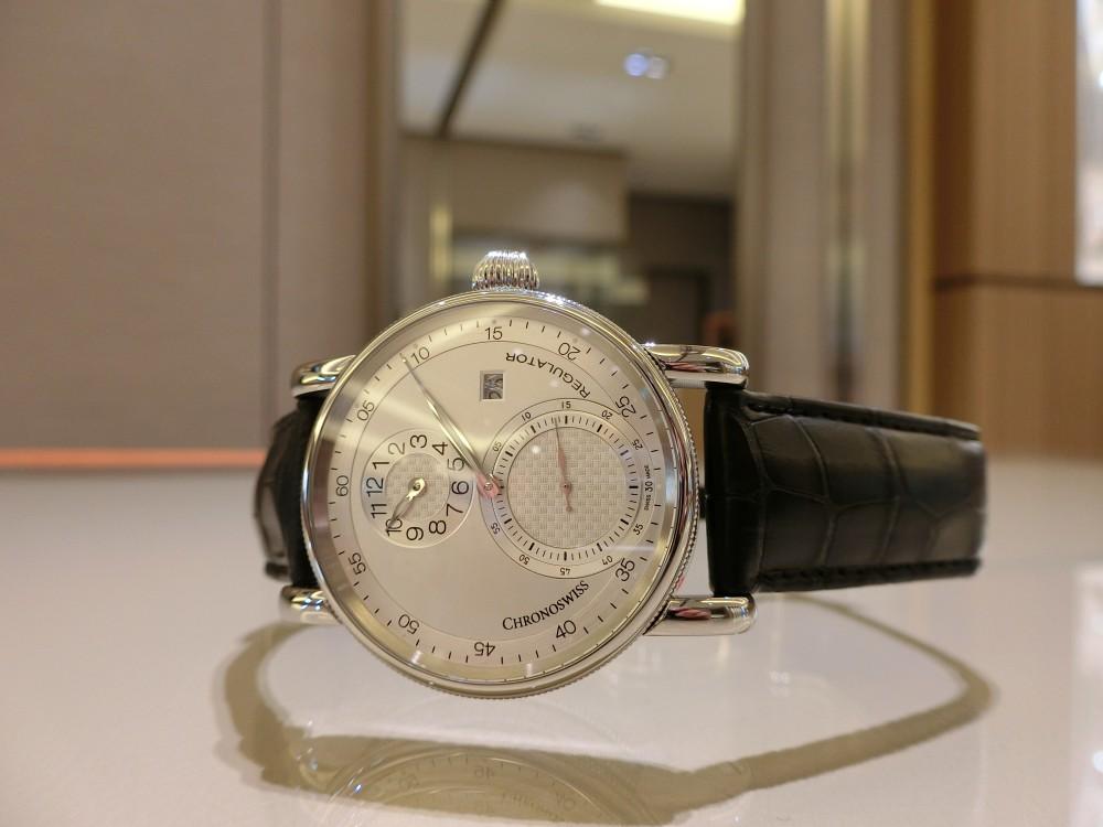 PANERAI(パネライ)がデザインした最初の腕時計「RADIOMIR(ラジオミール)」、グリーンのベルトが映える小ぶりなモデルがoomiya大阪心斎橋店でご覧頂けます。