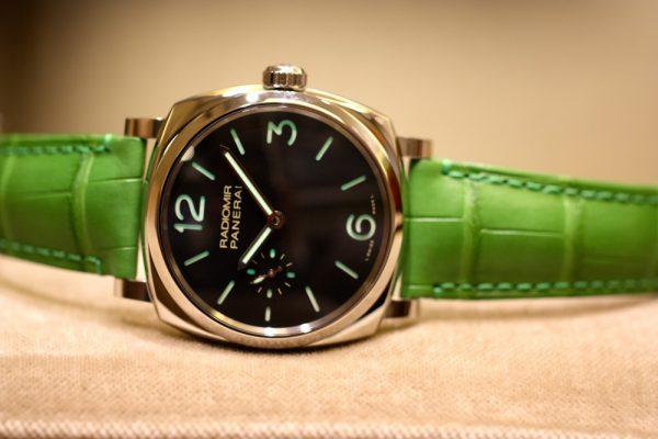 PANERAI(パネライ)がデザインした最初の腕時計「RADIOMIR(ラジオミール)」、グリーンのベルトが映える小ぶりなモデルがoomiya大阪心斎橋店でご覧頂けます。-PANERAI -IMG_7135-600x400