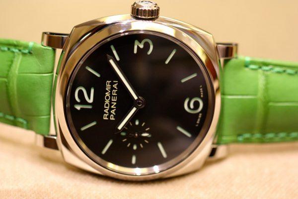 PANERAI(パネライ)がデザインした最初の腕時計「RADIOMIR(ラジオミール)」、グリーンのベルトが映える小ぶりなモデルがoomiya大阪心斎橋店でご覧頂けます。-PANERAI -IMG_7137-600x400