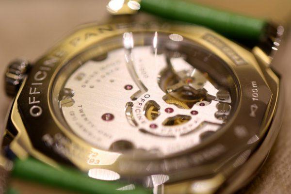 PANERAI(パネライ)がデザインした最初の腕時計「RADIOMIR(ラジオミール)」、グリーンのベルトが映える小ぶりなモデルがoomiya大阪心斎橋店でご覧頂けます。-PANERAI -IMG_7138-600x400