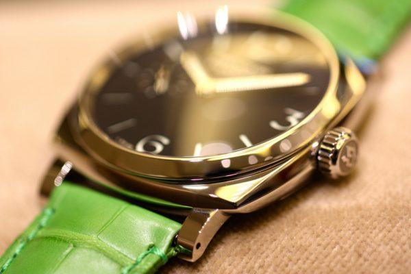 PANERAI(パネライ)がデザインした最初の腕時計「RADIOMIR(ラジオミール)」、グリーンのベルトが映える小ぶりなモデルがoomiya大阪心斎橋店でご覧頂けます。-PANERAI -IMG_7140-600x400