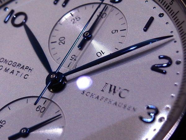 大人の雰囲気を醸し出す 〜 IWCの名作「ポルトギーゼ・クロノグラフ」 〜。-IWC -R1168817-600x450