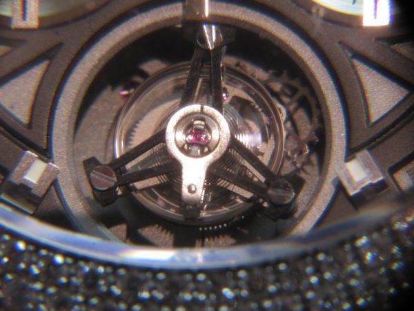 これぞ手の届く贅沢品!タグホイヤー「カレラ キャリバーホイヤー02T トゥールビヨン ハイジュエリー」CAR5A80.FC6377-TAG Heuer -IMG_1560-600x450
