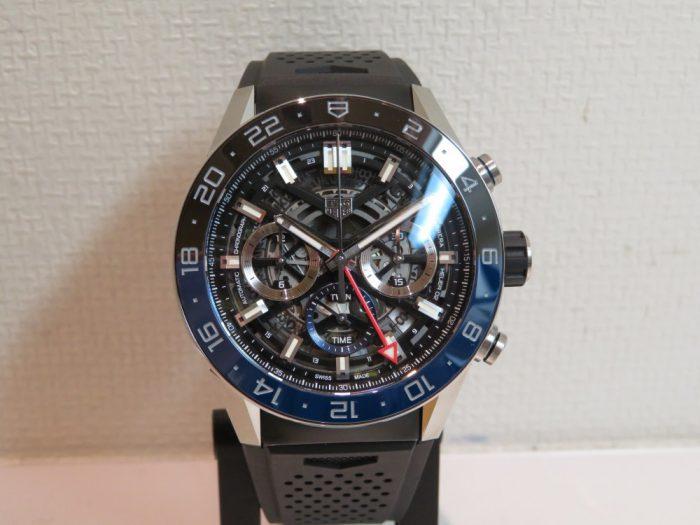 ベゼルのブラック&ブルーがアクセント! ホイヤー02を搭載したGMTモデル!「カレラ キャリバー ホイヤー02 クロノグラフ GMT」CBG2A1Z.FT6157-TAG Heuer -IMG_1451-700x525
