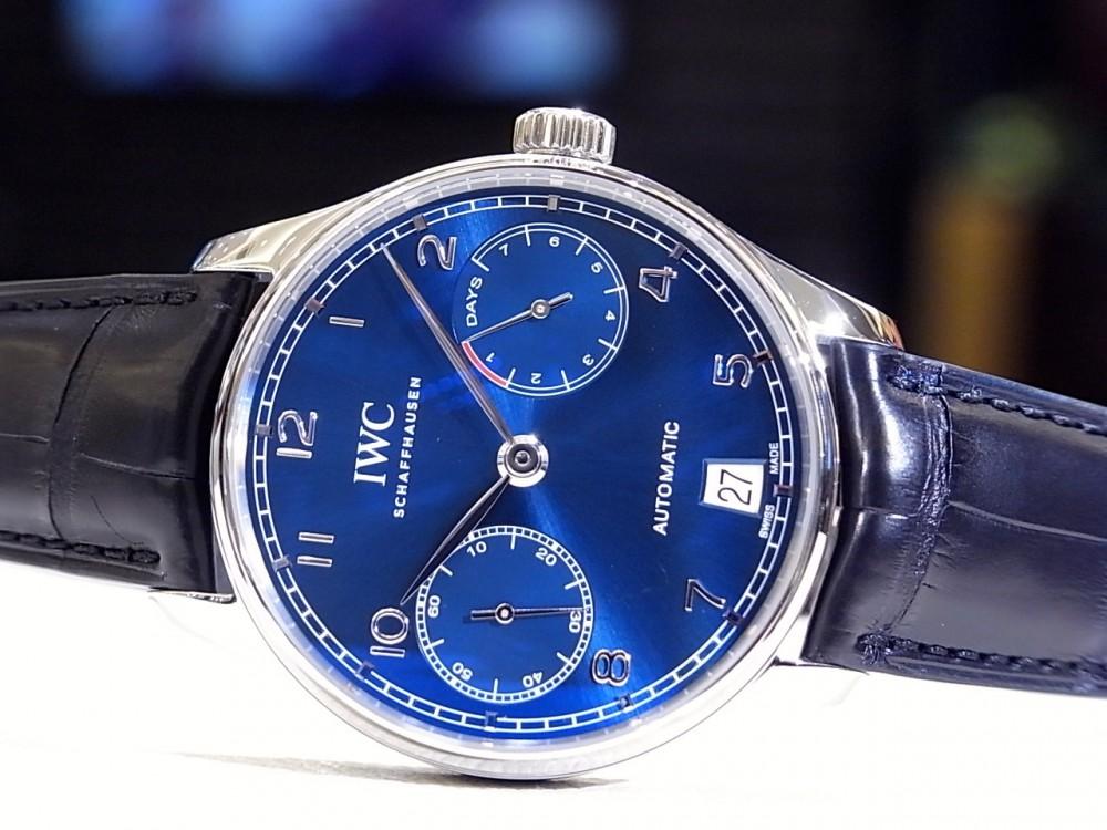 IWC 鮮やかなブルーが文字盤に映える「ポルトギーゼ・オートマチック」。-IWC -R1168887