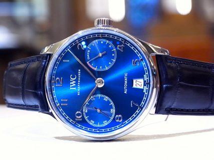 IWC 鮮やかなブルーが文字盤に映える「ポルトギーゼ・オートマチック」。