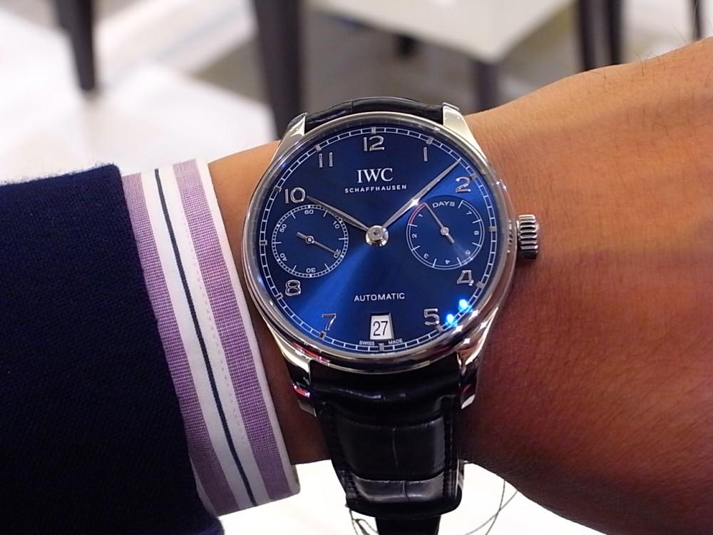IWC 鮮やかなブルーが文字盤に映える「ポルトギーゼ・オートマチック」。-IWC -R1168896