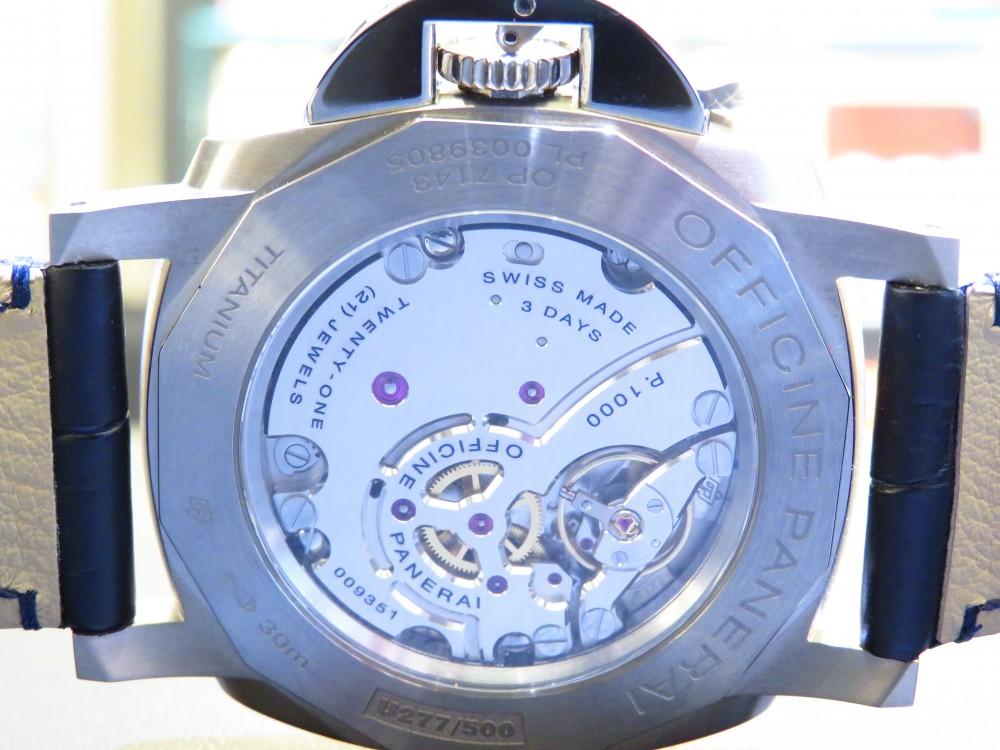 薄型のケースで袖口のおさまりが良い!ブルーの文字盤で知的に…パネライ PAM00728-PANERAI -IMG_0387