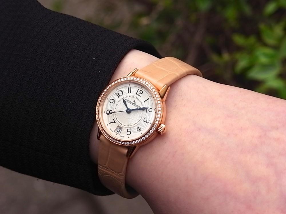 ジャガールクルト 時計の伝統と美に魅せられた女性に寄り添う「ランデヴー デイト」-Jaeger-LeCoultre -R1169616
