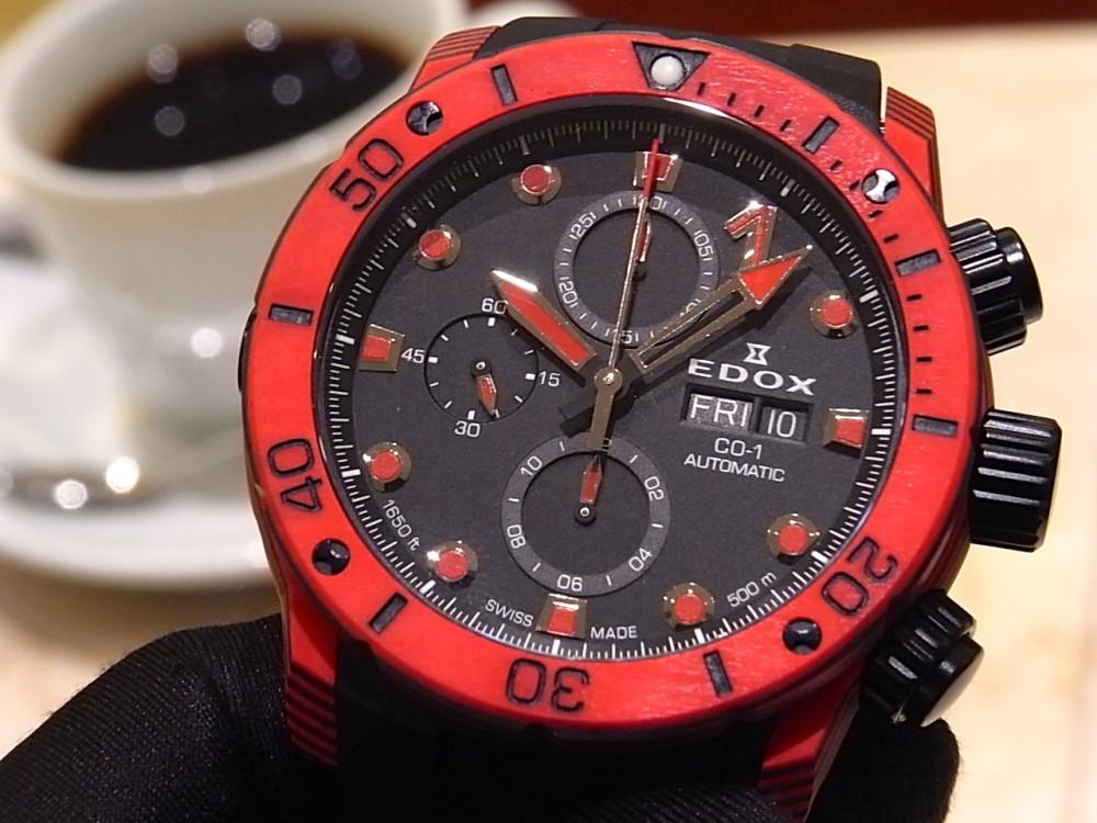 EDOX ブランド初!ケースとベゼルにカーボンを採用した「クロノオフショア1 カーボン クロノグラフ オートマチック」-EDOX -R1169695