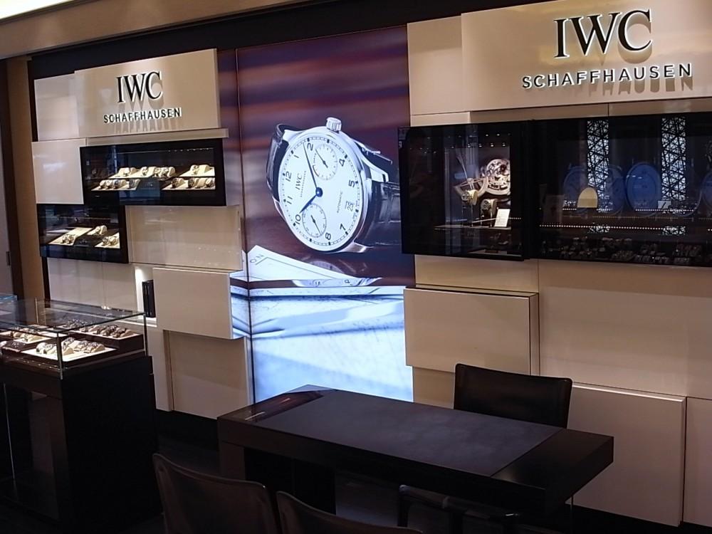 IWC ハイエンドな永久カレンダー搭載の限定250本の「ポルトギーゼ・パーペチュアル・カレンダー・デジタル・デイト/マンス」-IWC -R1169701